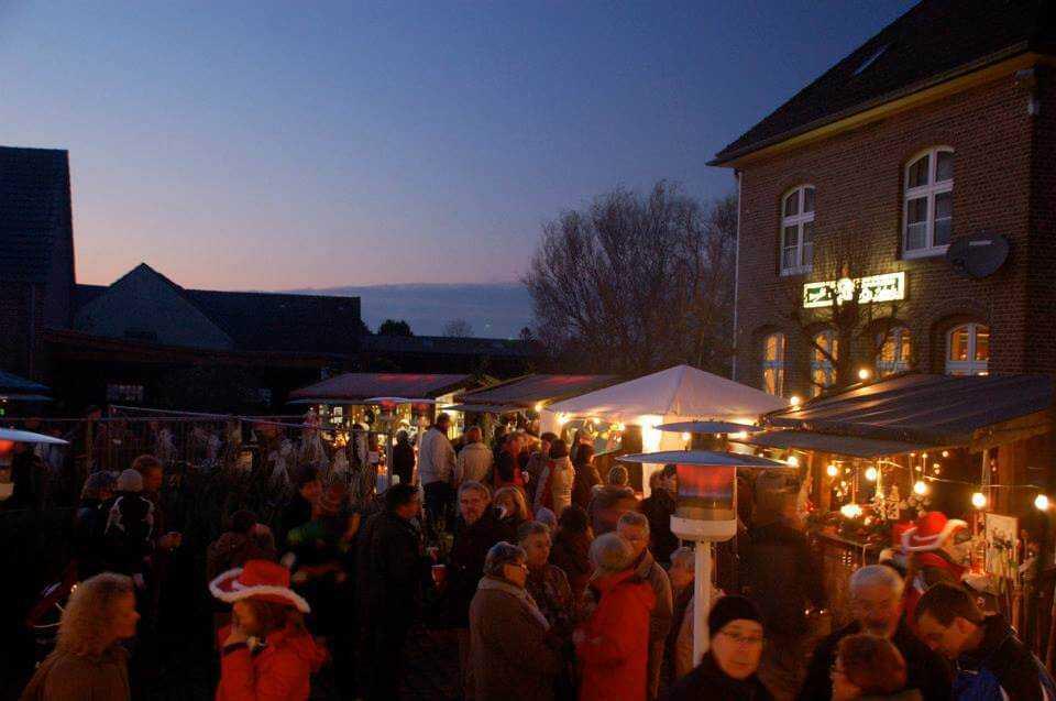 Mehrer Weihnachtsmarkt 2016 verschiedene Hütten