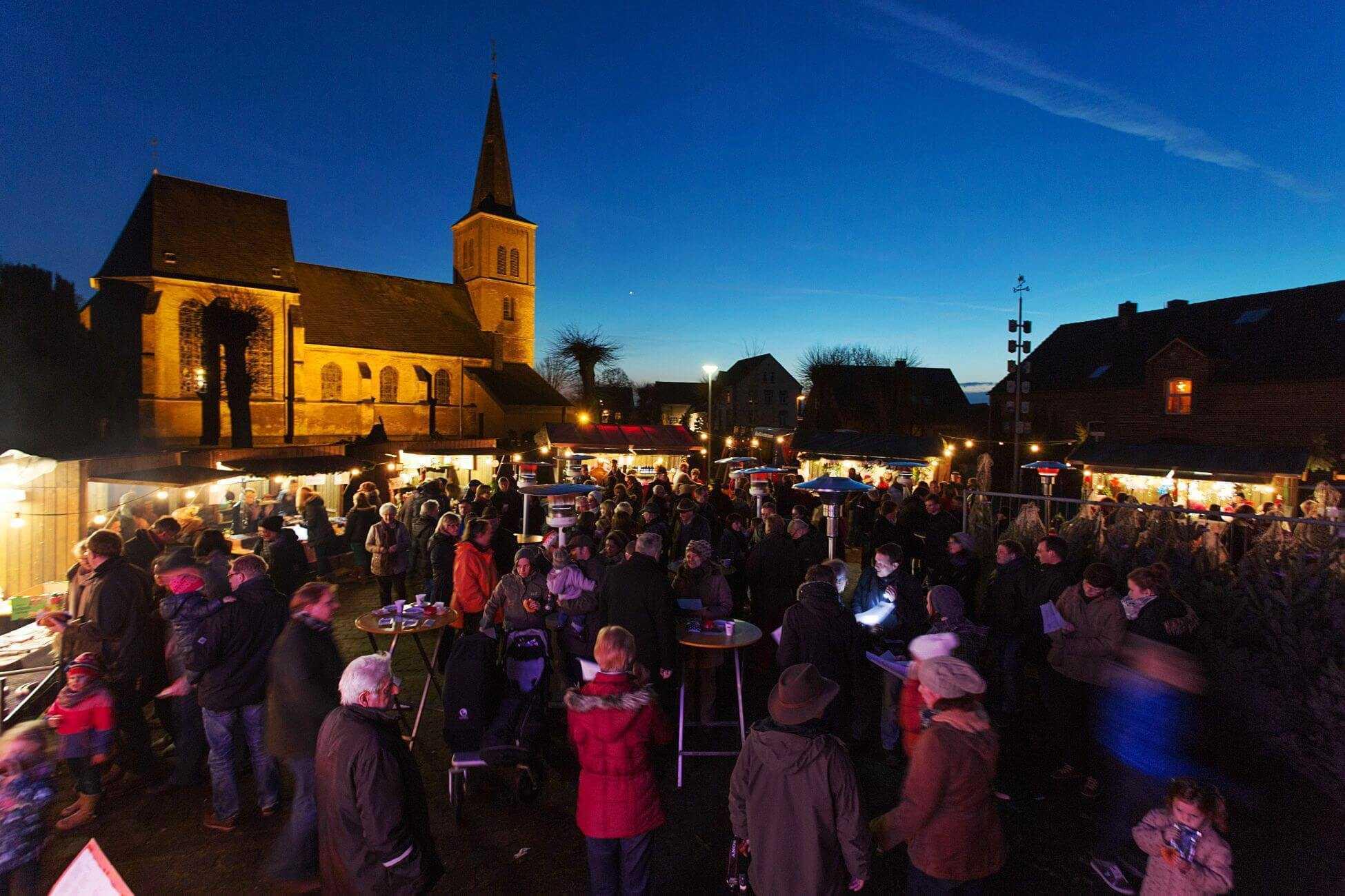 Der Weihnachtsmarkt in Mehr ist immer gut besucht.