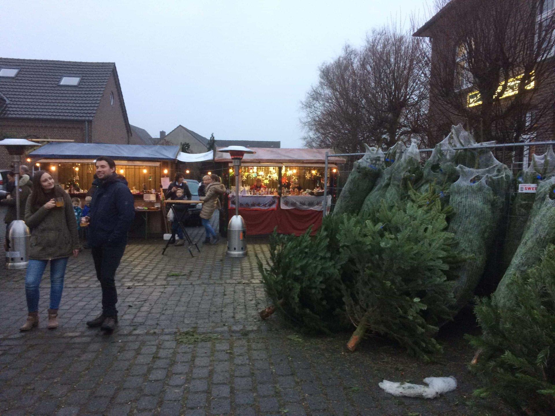 Mehrer Weihnachtsmarkt Bäume